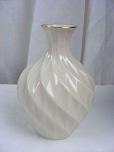 "vintage+lenox+vases | Vintage China 5"" Lenox Bud Vase Bulb Shape Swirl Design | eBay"