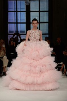 Giambattista Valli Spring 2017 Couture: I can never pull this dress off but I love it!! Haute couture cupcake! I love the pale pink color and the layered tulle.
