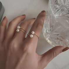 Temperament Geometric Round Pearl Ring – klozetstyle.com Latest Fashion For Women, Latest Fashion Trends, Womens Fashion, Shoppable Instagram, Pearl Ring, Fine Jewelry, Jewellery, Types Of Metal, Trendy Outfits