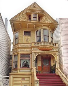 Simply beauty (at San Francisco, California) Unique Architecture, Victorian Architecture, Residential Architecture, Victorian House Plans, Victorian Style Homes, Victorian Houses, Beautiful Buildings, Beautiful Homes, Classic House Design