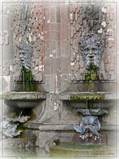 """""""Visage Fontaine"""" du Château de Trévarez (Saint Goazec - France)"""
