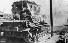 Balkans campaign 'Operation Marita' from 06.April 1941 on. (Greece -29.April) / Theatre of war: German tanks entering Larissa (Thessalia) 19.