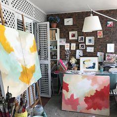 This was the look of the studio a couple of weeks ago / Así estaba el estudio hace unas semanas! Os iré enseñando como han quedado estas y otras obras! #artprocess #procesodeobra #estudio #artist #artiststudio . . . . .  #abstractart  #arte #arteabstracto #abstracto #abstract #art #decoracion #decor #interiorismo #deco #interiordesign #interior  #painting #commision #colorfull #cuadrosporencargo  #artcollector #twitter