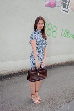 BARBARA SEKIRNIK: obleka ACNE, vintidž torbica, salonarji DKNY