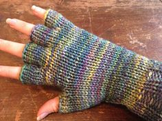 This pattern gives both written and picture instructions to create four types of gloves: fingerless, half fingered, mittens, and full fingered. Finger Crochet, Finger Knitting, Loom Knitting, Knitting Socks, Knitting Patterns, Knit Mittens, Half Gloves, Crochet Gloves Pattern, Fingerless Gloves Knitted