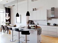 industrial-aparment-interior-design - Home Decorating Trends - Homedit Elegant Kitchens, Beautiful Kitchens, Cool Kitchens, Scandinavian Interior Design, Home Interior, Loft Style Homes, Blog Deco, Cuisines Design, Home And Deco