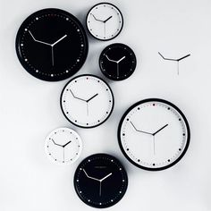 The Ontime Wall Clock has bent hands so that you're always 3 minutes ahead.