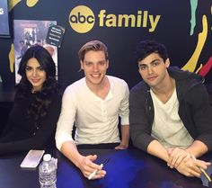 """Shadowhunters on Instagram: """"The autograph signing is about to begin!! #ShadowhuntersNYCC"""""""