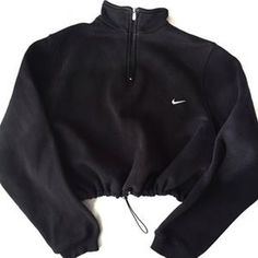 Image of Reworked Nike Mockneck Crop Sweatshirt Cute Lazy Outfits, Sporty Outfits, Nike Outfits, Teen Fashion Outfits, Retro Outfits, Look Fashion, Stylish Outfits, Cool Outfits, Vintage Outfits