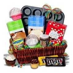Cupcake Gift Basket - great gift to give to a family. They can make a memory while making cupcakes together! Cupcake Gift Baskets, Diy Gift Baskets, Raffle Baskets, Basket Gift, Gift Basket Themes, Fundraiser Baskets, Wine Baskets, Food Gifts, Craft Gifts