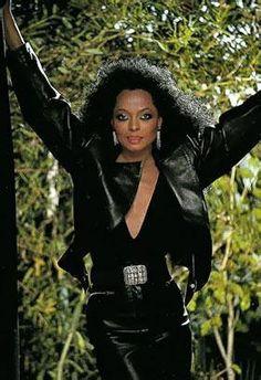 Diana Ross - circa 1984 World Most Beautiful Woman, Beautiful Black Women, Diana Ross Supremes, Lady Sings The Blues, Black Actors, Royal Life, Motown, Lady And Gentlemen, Classy Women