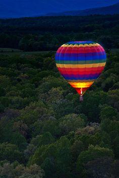 The South's Best Girlfriend Getaways: Hot air balloon over Charlottesville, Virginia