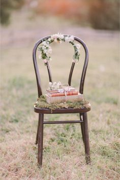 Flower adorned chair | Jenny Sun Photography