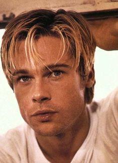 Junger Brad Pitt, Sete Anos No Tibet, Bard Pitt, Brad Pitt Pictures, Brad And Jen, Herren Outfit, Actrices Hollywood, Handsome Actors, Gorgeous Men