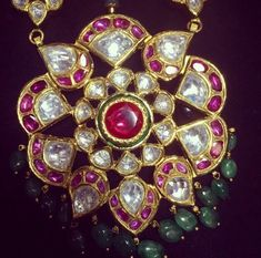 No filter needed for these beautiful multi gem jhumkis! Antique Jewellery Designs, Fancy Jewellery, Trendy Jewelry, Jewelry Trends, Antique Jewelry, Fine Jewelry, Jewelry Design, Gold Jewelry, Rajputi Jewellery