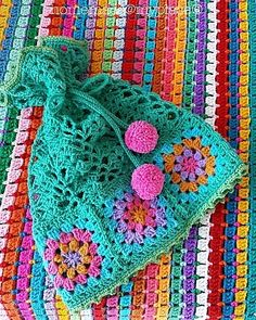 """Today @lazydaisyjones and @crochetnowmag : STITCH COMBO! Well I usually use simple stitches together and not too many in the same project but .... This hat was quite impossible not to crochet right? I love the granny squares/lace pattern/picot edging all together!!! I like to add that the real winner in this case is the colours selection ! The pattern is from a japanese crochet hook """"Crochet with Color"""" on pages 6 and 7 (pictures) while on pages 50/51 you can find the graphs to crochet this…"""