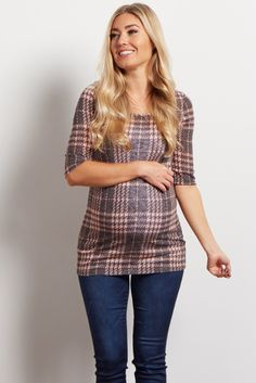 This classic plaid print top is an essential for your closet. This top can move through the transitions of pregnancy to motherhood with you. Pair with jeans and booties to achieve a trendy ensemble. Bump Style, Pink Blush Maternity, Maternity Tops, Blush Pink, Fitness Models, Plaid, How To Wear, Nursing, Clothes