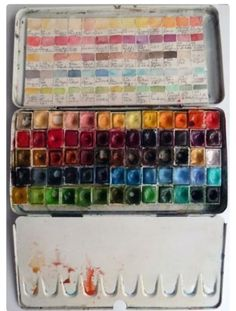Watercolor palette- great idea to recreate exact colors Watercolor Journal, Watercolor Tips, Watercolor Techniques, Watercolour Painting, Art Techniques, Watercolour Palette, Watercolours, Painted Boxes, Watercolor Paintings
