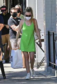 Dakota Fanning, Elle Fanning, Fanning Sisters, Shirt Dress, T Shirt, Image, Dresses, Fashion, Sneakers