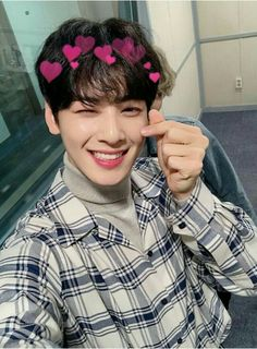 look at his precious smile ❤ Astro Eunwoo, Cha Eunwoo Astro, Asian Actors, Korean Actors, F4 Boys Over Flowers, Lee Dong Min, Pre Debut, Joo Hyuk, Sanha