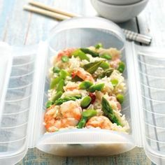Arroz con langostinos (prawns) cooked in Lekue Steam Case Hcg Recipes, Seafood Recipes, Cooking Recipes, Healthy Recipes, Cooking Tips, Shrimp And Rice, Steamer Recipes, Easy Eat, Gluten Free Snacks