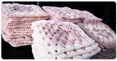 Granny Square Blanket: Cómo unirse a Granny Squares - crochet - Manta Crochet, Knit Or Crochet, Crochet Granny, Crochet Hats, Crochet Blocks, Bavarian Crochet, Knitted Hats, Knitting, Crochet Blankets