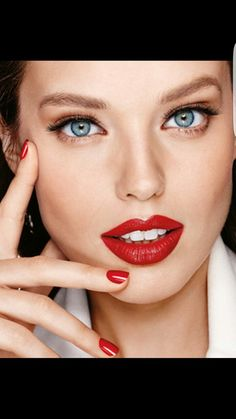 Makeup Products, Makeup Tips & Beauty Trends by Maybelline New York. Shop the best face, lip, eye & nail makeup, watch tutorial videos & find the latest trends. Daily Makeup, Makeup Tips, Beauty Makeup, Hair Beauty, Makeup Designs, Hair Designs, Emily Didonato Instagram, Behind Blue Eyes, Beauty Shots