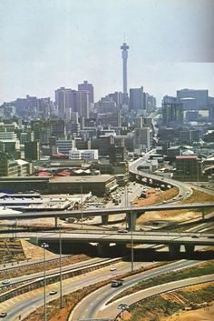 I was just wondering if anyone had some South African city photos from around The reason I ask is that I like the old pictures and new stuff is. Johannesburg Skyline, Third World Countries, Art Deco, Exotic Places, African History, Places To Travel, South Africa, Landscape Photography, Mineral