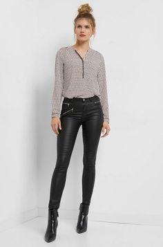Elegant, Leather Pants, Fashion, Classy, Leather Jogger Pants, Moda, Fashion Styles, Lederhosen, Leather Leggings
