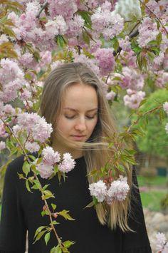 portrait girl photography fotografie fotoshoot photoshoot cherry blossoms kirschblüten blüten blumen blonde hair blonde haare