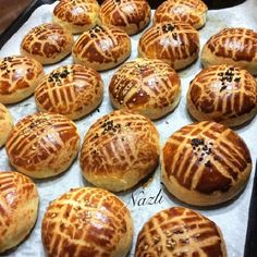 How to make patisserie pastry that doesn't stale with a soft legendary taste just like taken from a patisserie Donut Recipes, Pastry Recipes, Cooking Recipes, Fun Desserts, Dessert Recipes, Good Food, Yummy Food, Food Platters, Turkish Recipes