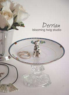 DERRIAN Dalmatian Jewelry Pedestal, Jewelry Dish, Repurposed Jewelry Organizer by bloomingtwigstudio