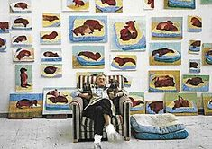 David Hockney (artist) and his muses, Stanley and Boogie, in front of his Dachshund paintings. David Hockney Artist, David Hockney Portraits, Dachshund Love, Famous Artists, Animal Paintings, Prints For Sale, Pet Portraits, Les Oeuvres, Collage Art