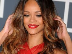 Layage, il trend capelli per schiariture naturali perfetto per bionde e more