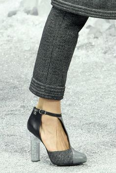 All the fall shoe trends in one = chunkier heel, 20s inspired, two-tone tip