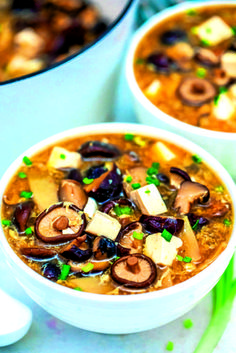 ČO DNES VARIŤ? 8 TIPOV od našich naj šéfkuchárov! (RECEPTY) Curry, Ethnic Recipes, Food, Red Peppers, Curries, Essen, Meals, Yemek, Eten