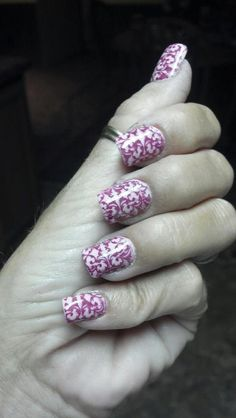 Aren't Diane Graham's custom-fit nails totally gorgeous? Get your very own set of beautiful, non-chipping, reusable, non-staining, and everlasting custom-fit nails at http://www.customnailsolutions.com/