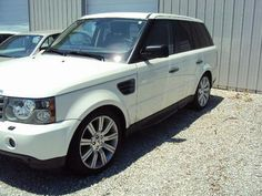 2009 LAND ROVER RANGE ROVER SPORT HSE, WHITE IN COLOR, BRIDGESTONE TIRES, NO KEY AT SEIZURE, VENDOR REPLACED KEY AT RANGE ROVER DEALERSHIP, AUTOMATIC FOUR WHEEL DRIVE TRANSMISSION, 8 CYLINDER ENGINE, OVERALL CONDITION IS GOOD, POWER STEERING, TILT STEERING, CRUISE CONTROL, A/C, BENCH AND LEATHER SEATS, AM/FM RADIO, CD PLAYER, FACTORY STEREO BRAND, FACTORY WHEELS. 50,623 MILES