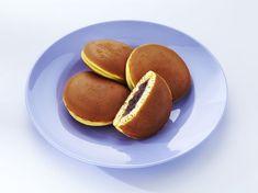Dorayaki - Japanese Sweet Filled Pancake Recipe