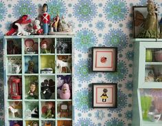 shadow box, wallpaper, colorful decor