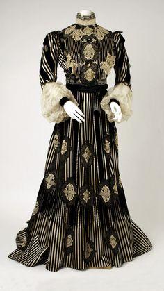 Dress ca. 1900-5    From the Metropolitan Museum of Art