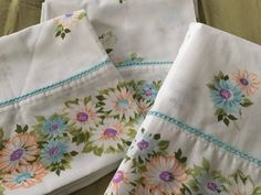 Vintage Pequot 2 King Pillowcases & 1 Full Flat Sheet Daisies Turquoise Peach Purple Floral Print Crochet Trim No Iron Muslin Vintage Embroidery, Embroidery Thread, Embroidery Patterns, Sewing Patterns, Upcycled Vintage, Repurposed, Sewing Appliques, Brocade Fabric, Crochet Trim