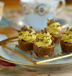 Superfood Raw Caramel Cupcakes with Banana-Cacao Nib Frosting