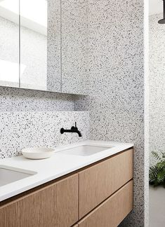 Where can I find terrazzo tiles and sinks in the UK? A guide and photos to beautiful terrazzo bathrooms. Bathroom Toilets, Bathroom Renos, Laundry In Bathroom, Washroom, Bathroom Ideas, Bathroom Interior Design, Modern Interior Design, Interior Architecture, Interior Sketch
