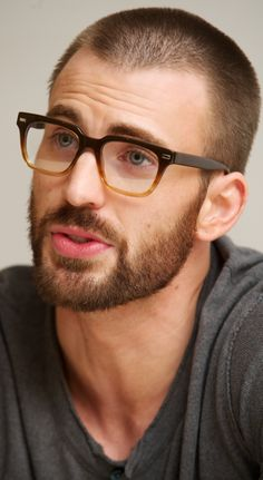 oh those glasses.... oh that beard...