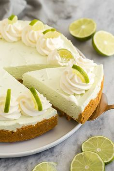 This easy Key Lime Cheesecake is a simple, no bake dessert that is perfect for Spring! It's sweet, tangy, creamy and so luscious! Made with fresh lime juice and zest. #cheesecake #lime #dessert Lime Cheesecake No Bake, Mini Cheesecake Recipes, Homemade Cheesecake, No Bake Desserts, Delicious Desserts, Mini Lemon Tarts, Cheesecake Decoration, The Recipe Rebel, Cake Decorating Piping