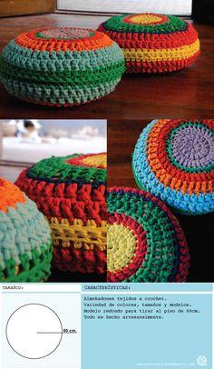 http://amorpurotejidos.blogspot.com.es/2013/08/almohadones_26.html