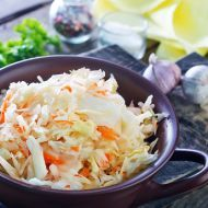Why fight the slaw? The slaw won. Try this refreshing apple hemp cabbage slaw as a side dish for your favorite meatless entree, or, top it with tofu or tempeh for a healthy main dish. St Hubert Coleslaw Recipe, Coleslaw Recipe Easy, Coleslaw Recipes, Southern Coleslaw, Asian Slaw, Salad Sauce, Vegetarian Cabbage, Cabbage Slaw, Cold Meals