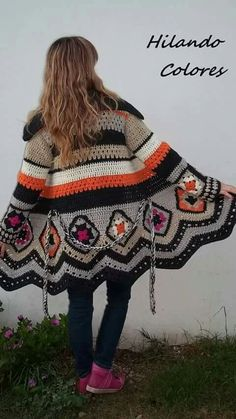 Sacón a crochet Moda Crochet, Pull Crochet, Crochet Coat, Crochet Winter, Crochet Jacket, Crochet Cardigan, Crochet Clothes, Crochet Hooks, Crochet Square Patterns