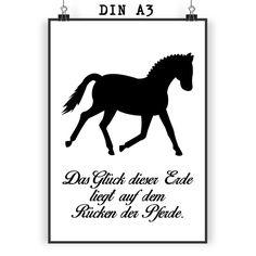 Poster DIN A3 Dressurpferd aus Papier 160 Gramm weiß - Das Original von Mr. & Mrs. Panda. Jedes wunderschöne Poster aus dem Hause Mr. & Mrs. Panda ist mit Liebe handgezeichnet und entworfen. Wir liefern es sicher und schnell im Format DIN A3 zu dir nach Hause. Über unser Motiv Dressurpferd Jedes Mädchen liebt Pferde und träumt von Ferien auf dem Reiterhof. Ponys und Pferde sind wundervolle Tiere. Unser Dressurpferd ist nicht für professionelle Reiter oder Reiterstübchen, sondern auch für